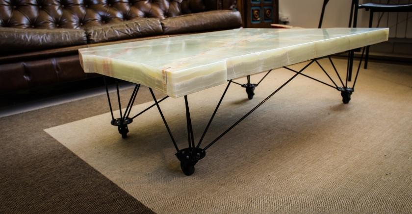 table onyx-18.jpg